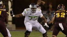 Oregon LT Tyrell Crosby to wear No. 58 in Las Vegas Bowl to honor shooting victims