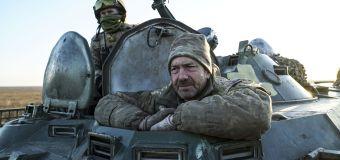 ウクライナは大人のロシアの男性との国境を閉鎖