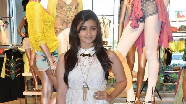 Stylish Alia Bhatt Launched FOREVER 21