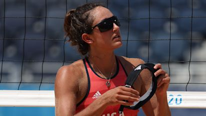 U.S. beach volleyball loses on disputed call