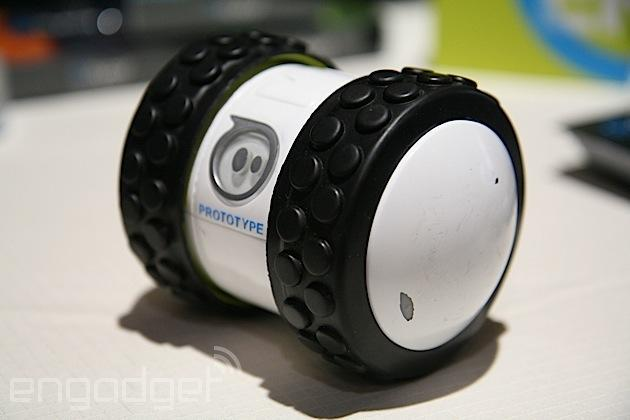Sphero's 2B smartphone-controlled toy is quick, easy to control and a lot of fun (hands-on)