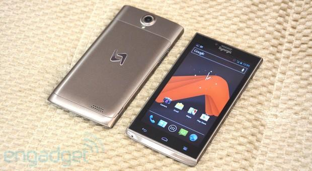 Synrgic Uno debuts as one of the last TI OMAP-powered Android phones (updated with video)