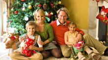 13 Tricks For Taking a Picture-Perfect Christmas Card Photo