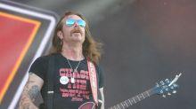 Au Hellfest, les Eagles of Death Metal rendent hommage aux victimes du Bataclan