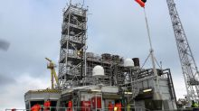 Hundreds of Norway oil workers go on strike, Shell shuts Knarr field