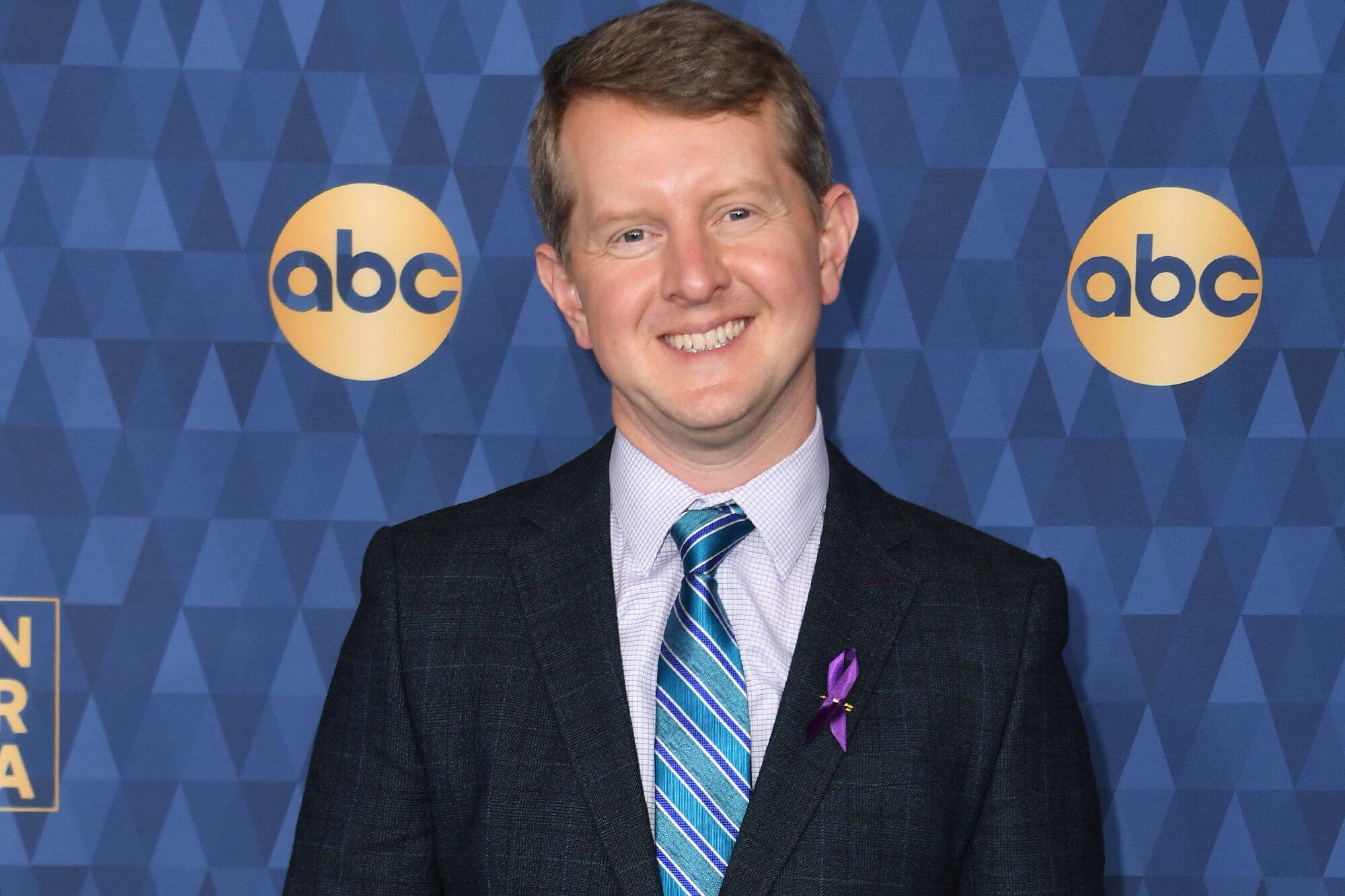 Ken Jennings Thanks Alex Trebek as His Six Weeks as Jeopardy! Guest Host Comes to an End - Yahoo Entertainment