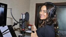 After 'Ishqaholic', Sonakshi Sinha Croons for Akira!