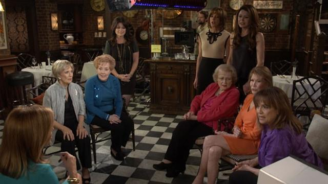 'Mary Tyler Moore' Reunion on Betty White's Show 'Hot in Cleveland'