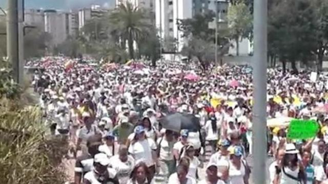 Thousands of Women March Through Caracas
