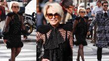 De férias em Paris, Ana Maria Braga rouba a cena na Semana de Moda