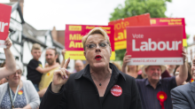 Eddie Izzard runs for place on Labour's governing body for the second time