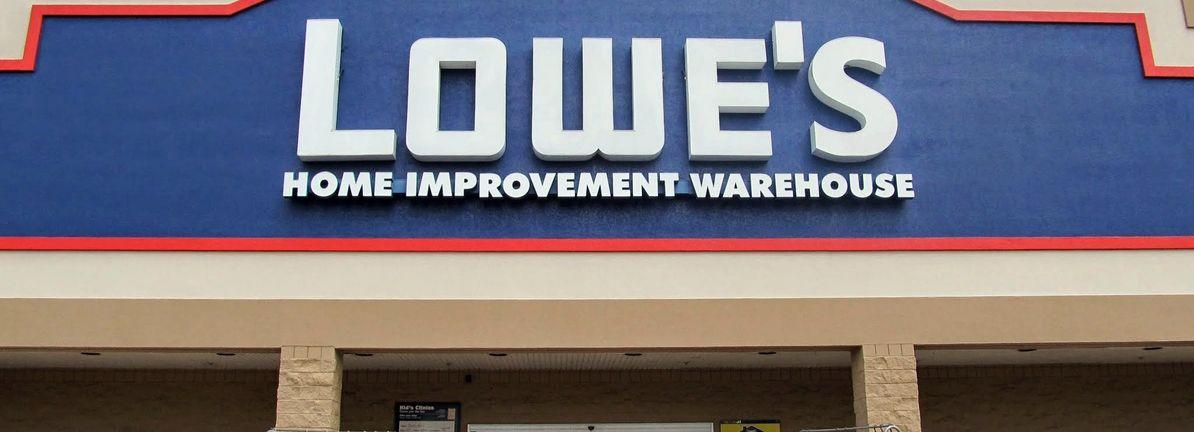 News post image: How Does Lowe's Companies's (NYSE:LOW) P/E Compare To Its Industry, After The Share Price Drop?