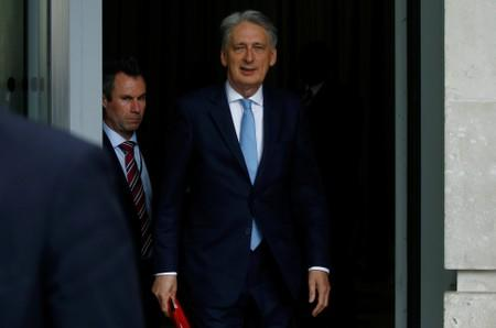 Hammond to quit over no-deal Brexit if Johnson becomes PM