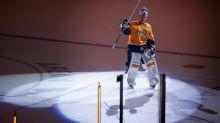Former Milwaukee Admirals goalie gets an emotional sendoff from NHL fans after shutout Monday