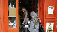 Fermeture des commerces non essentiels: l'écrivain Philippe Claudel appelle les libraires à la désobéissance
