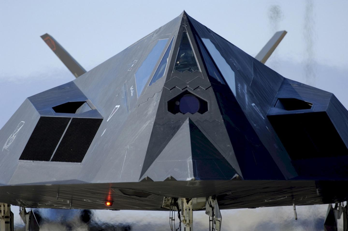 Go Inside Area 51: Land of Top Secret 'Black Projects' and Stealth Fighters