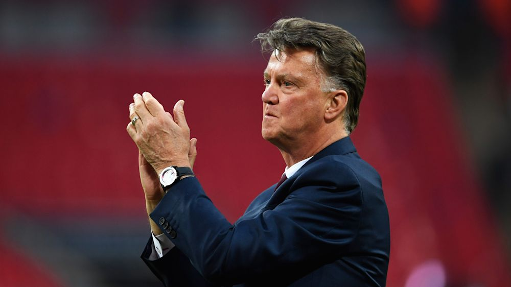 Van Gaal has pop at Man Utd successor Mourinho after Anfield meeting