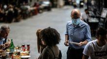 Covid: Paris en alerte maximale, les restaurants restent ouverts sous conditions