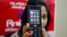 ¿Móviles futuristas? El teléfono que mueve masas cuesta 20 dólares