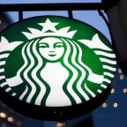 Starbucks apologizes after 2 sheriff's deputies say servers ignored them