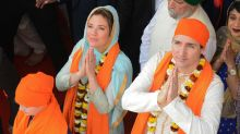 Sophie and Justin Trudeau wear traditional Punjabi clothing during India visit