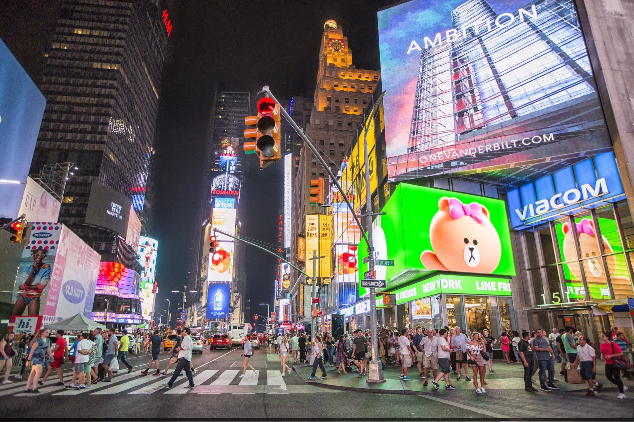 Retailers Are Paying Top Dollar To Be In Times Square Video