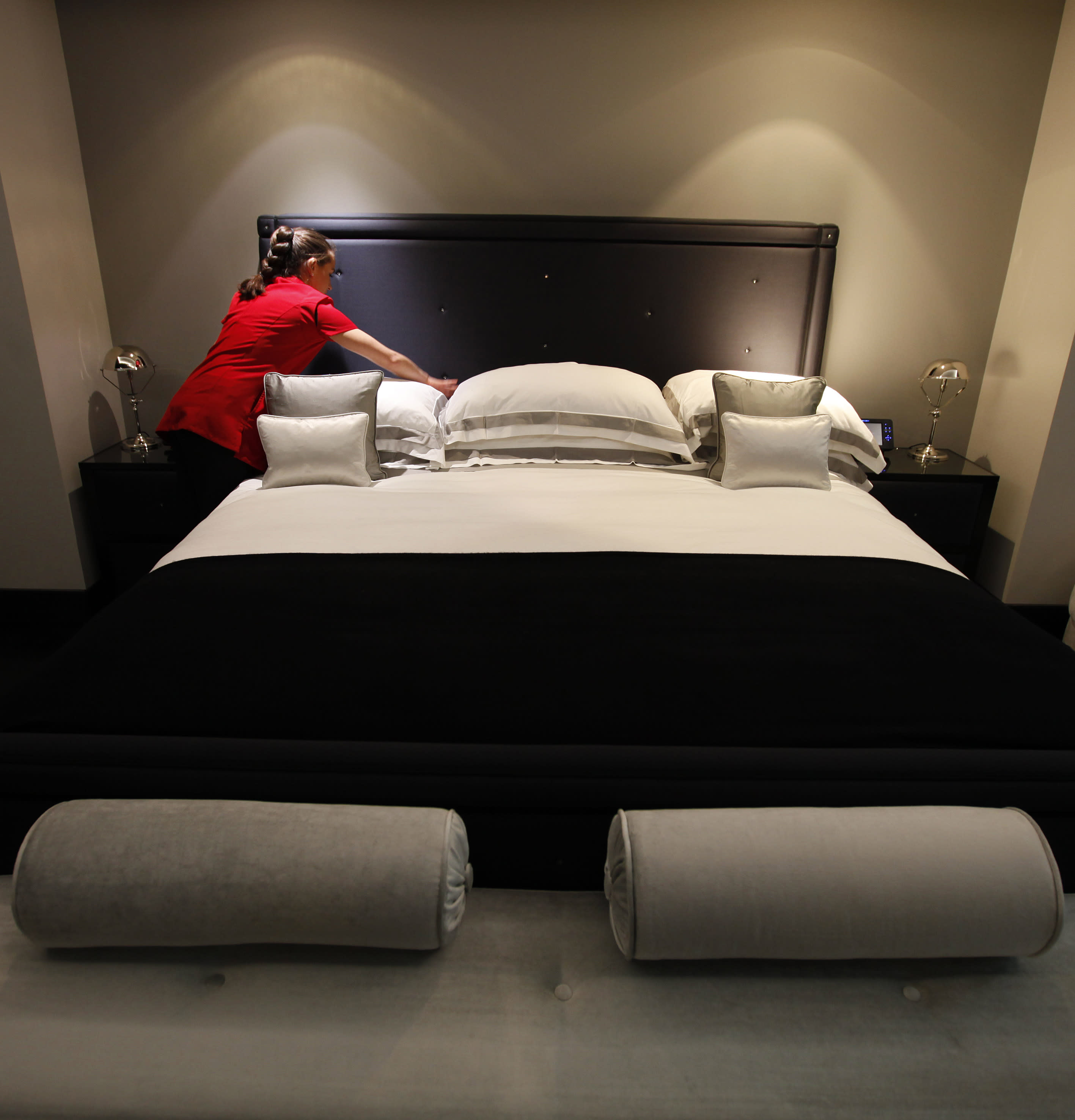 1 Bedroom Apartments In London: Money Talks In Search For London Olympic Hotels