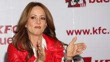 """Televisa reduce el sueldo de sus estrellas y Andrea Legarreta confirma que fue una """"propuesta"""""""