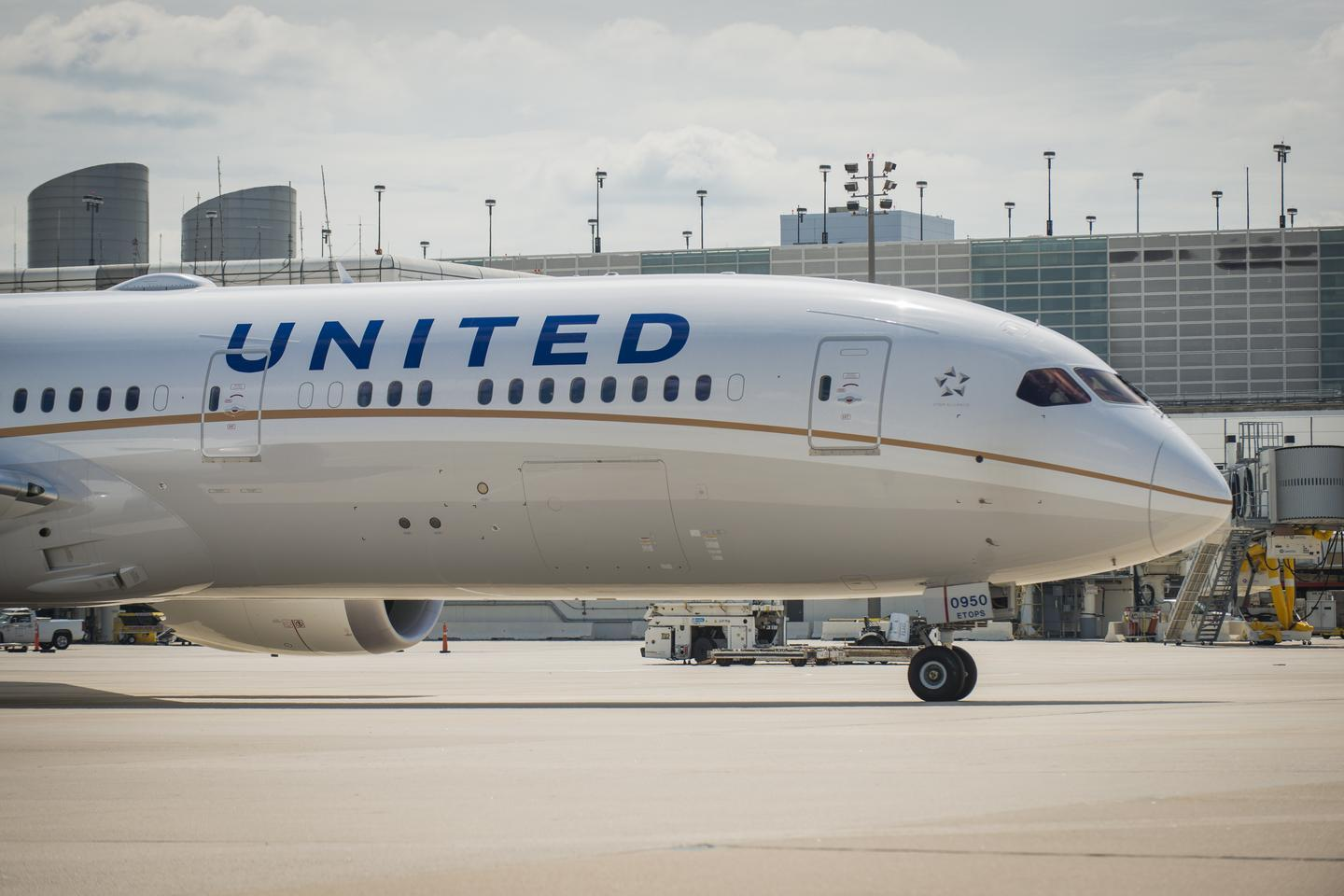 United Airlines putting Dreamliners on two Chinese routes from O ...