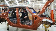 Indonesia Chases Manufacturing Hub Dream as Commodities Wither