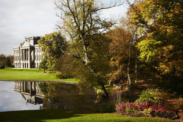 """<p> </p> <p class=""""p1""""> Nestled on the edge of the Peak District, Lyme Park sits within a 1,300 acre park featuring sweeping moorland, stunning views and elegant formal gardens. The Hall itself surveys wooded slopes, the lake and the Lime Avenue, providing memorable scenery especially in the autumn months, when the colours change with the seasons.</p>"""