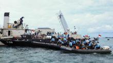 Indonésie : course contre la montre pour retrouver les restes du Boeing disparu