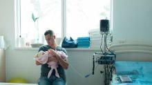 Le gouvernement va proposer d'allonger le congé paternité de 14 à 28 jours, selon l'Elysée