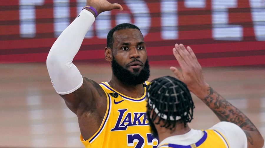 Lakers open NBA Finals with decisive win