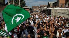 """""""Ce que fait l'Inde est très violent"""" : des Français racontent comment ils tentent de communiquer avec leurs proches au Cachemire"""