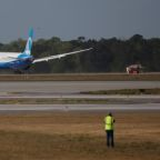 Korean Air to buy 20 Boeing 787s, lease 10 more