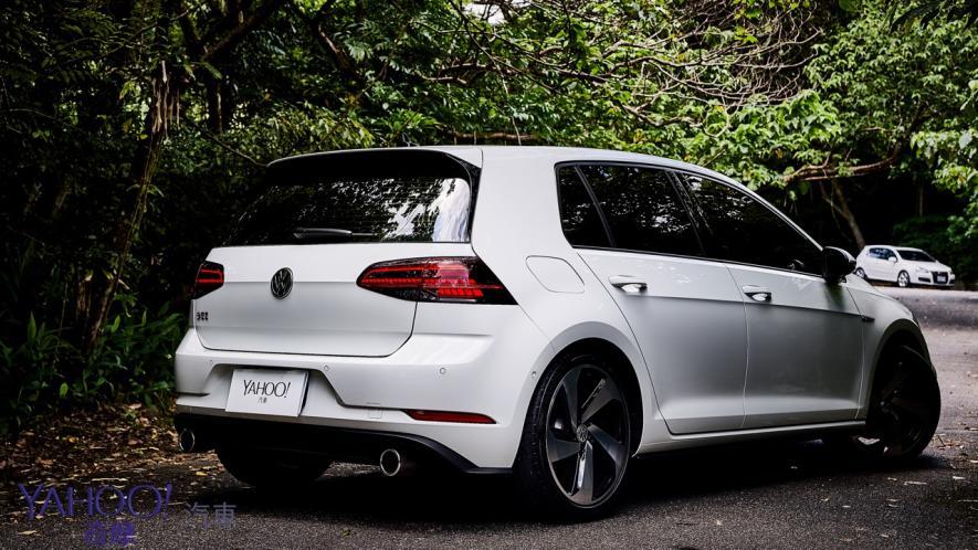 純粹駕馭的經典傳承!5代目視角下的2019 Volkswagen Golf GTi Performance Pure試駕 - 22