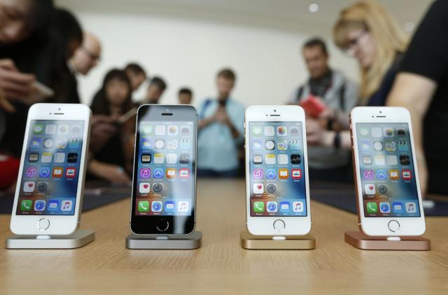 Texas authorities serve Apple a warrant for mass shooter's iPhone (updated)