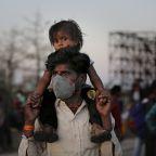 Modi apologizes to Indians for 21-day lockdown hardships