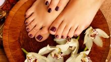 Relax Your Tired Feet With This Amazing Wine Pedicure!