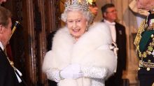 Queen praised for going fur-free