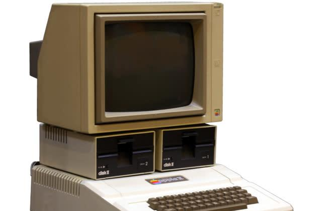 Hilarious reactions of children to an Apple II