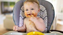 Como apresentar alimentos sólidos ao bebê?