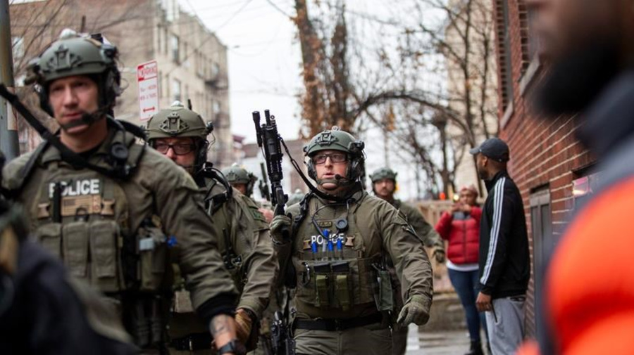 5 civilians, police officer shot dead in New Jersey