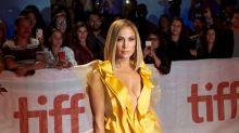 """Jennifer Lopez avait l'accessoire parfait pour la première de """"Queens"""""""