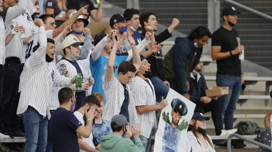 Astros walk into hostile environment in Bronx