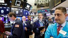 Com Fed no radar, Wall St recua após S&P 500 tocar novo recorde histórico