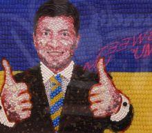 Ukraine candidates: Experience vs image
