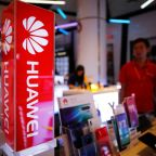 Huawei promises 100% refunds if Google and Facebook apps stop working