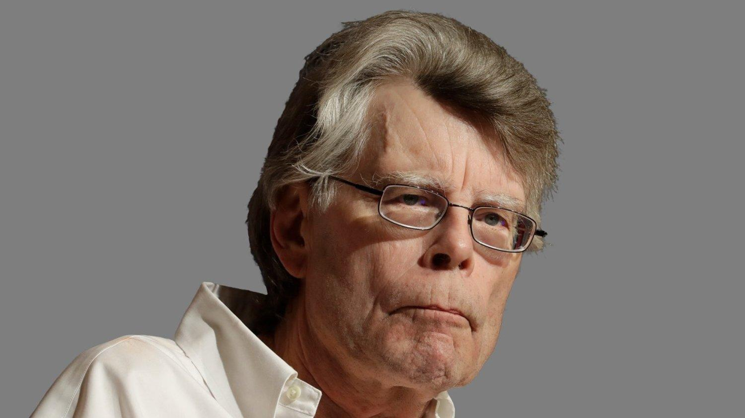 Stephen King Offers $10,000 For A Trump Border Wall Debate